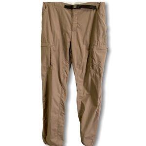 MOUNTAIN HARDWEAR 100% NYLON TAN HIKING PANTS 10
